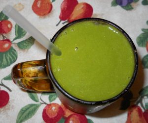Collard Greens Apple Banana Green Smoothie
